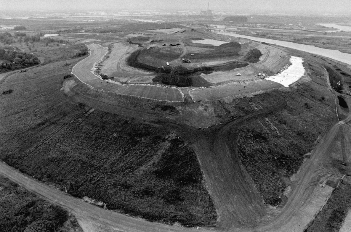 Fresh Kill Landfill, May 1996. Image courtesy of the Staten Island Advance and Staten Island Institute Archives.